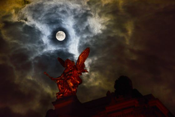Moon Over Dresden2