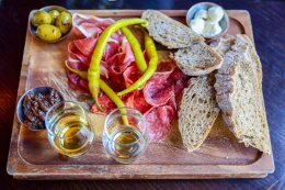 charcouterie-plate